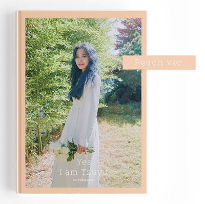 Yes, I am Tzuyu: 1ST PHOTOBOOK (Peach ver.) Book