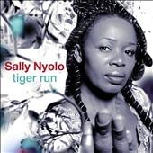 Sally Nyolo/Tiger Run[TUGCD1085]